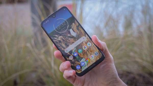 Moto G7 Cheap phone
